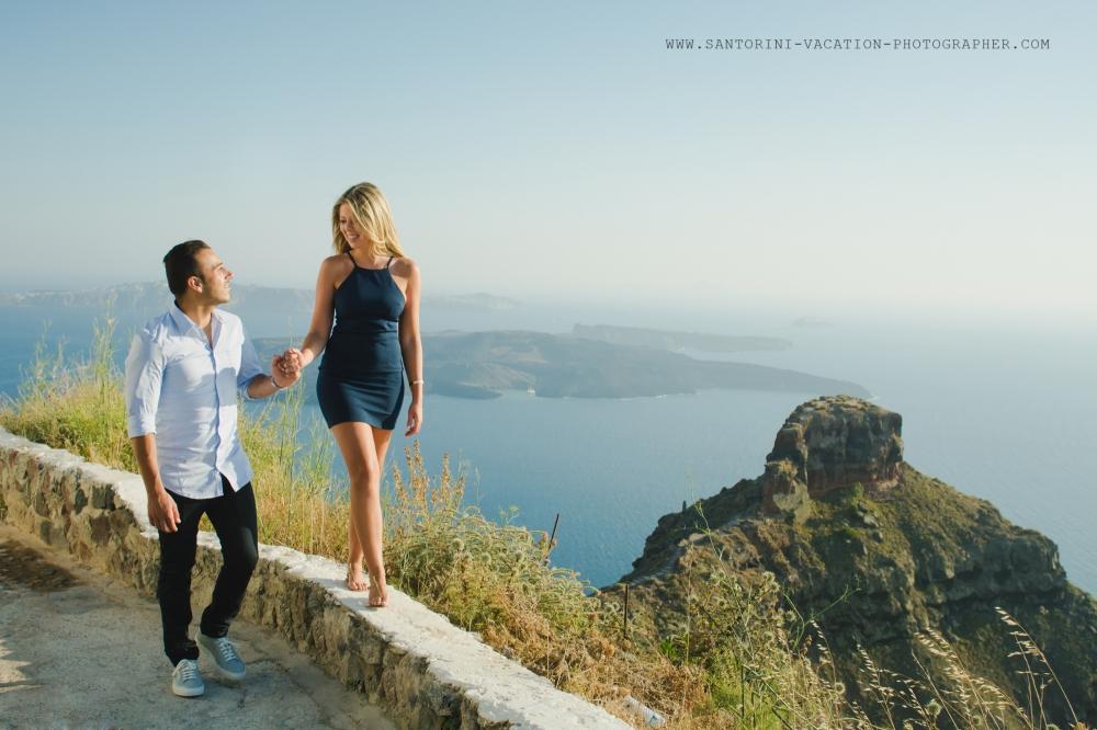 Santorini-photo-session-Imerovigli-destination-honeymoon-004