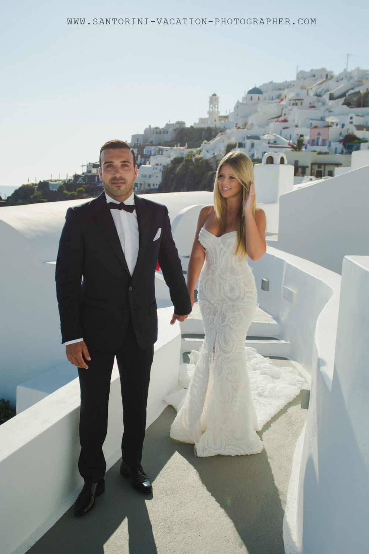Santorini-photo-shoot-Imerovigli-Greece-post-wedding-003