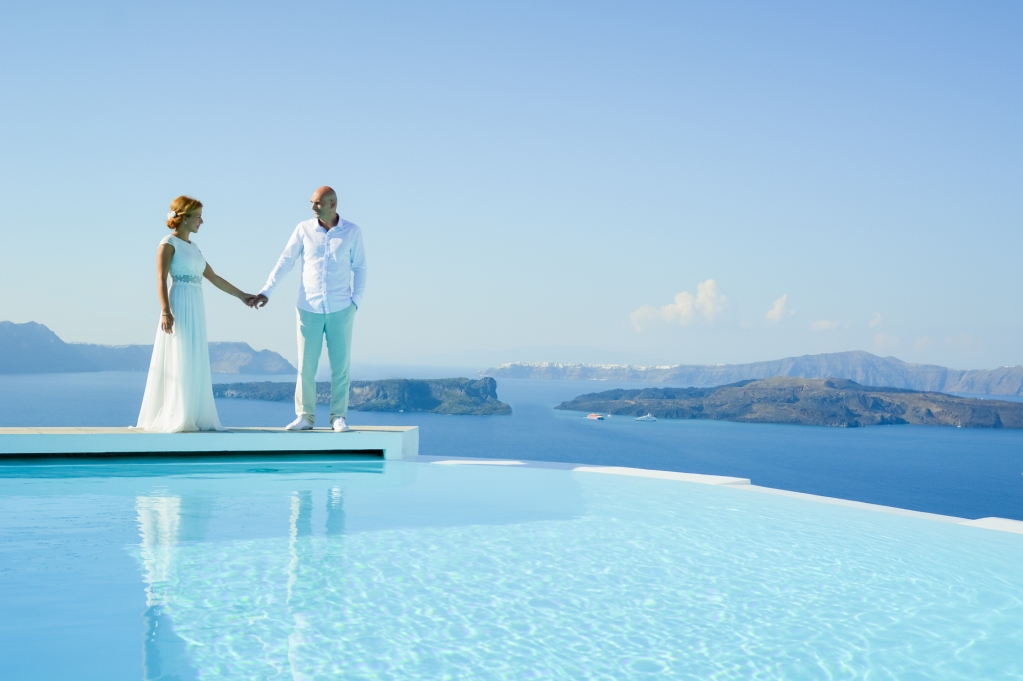 Santorini-photo-shoot-wedding-session