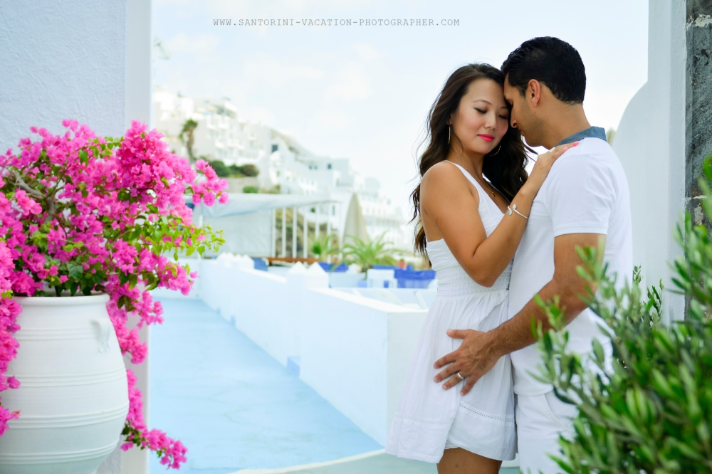 Santorini-photographer-Anna-Shulte-couples-engagement-photo-shoot-in-Greece-16