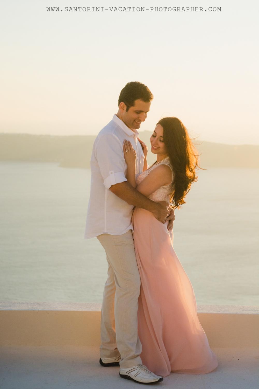 Sunset-photo-shoot-Santorini-engagement-elegant-001