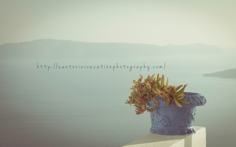 Pastel flowerpot in Santorini