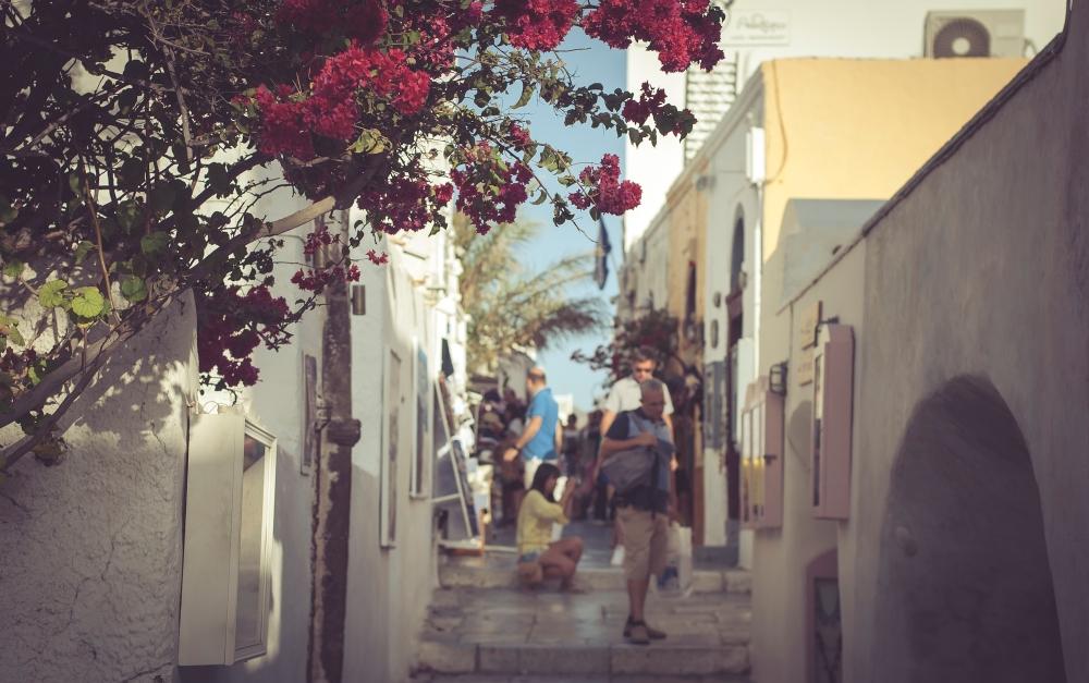 Central street of Oia. Santorini.