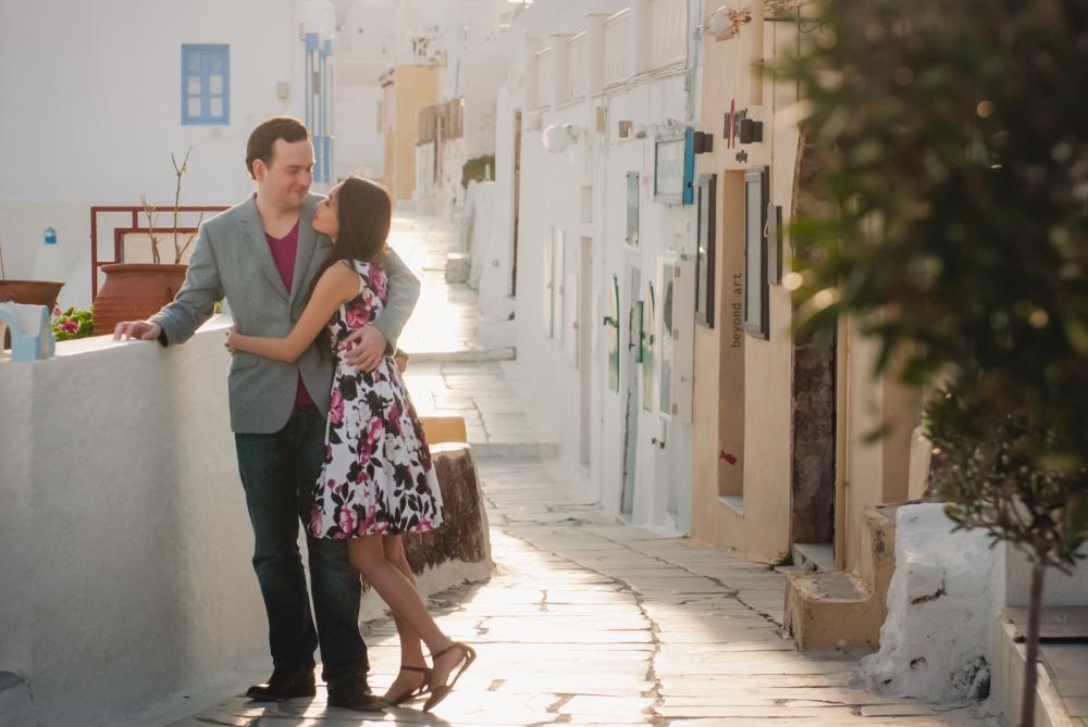 Photo-shoot-destination-Santorini-Thera-portrait-shoot