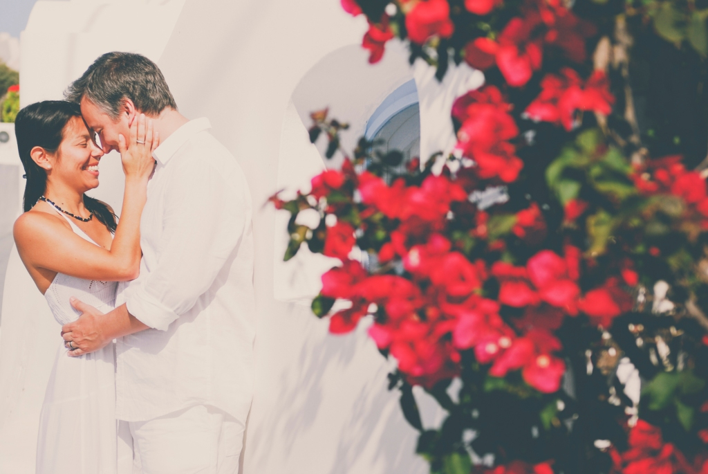 Honeymoon Photo shoot in Santrini.