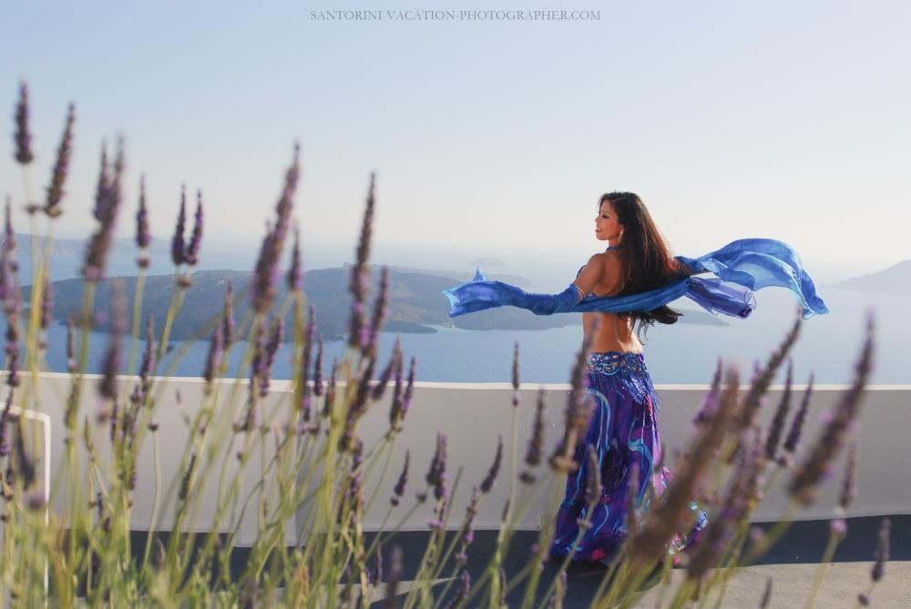 Santorini japanese dancer on holliday in Greece-2