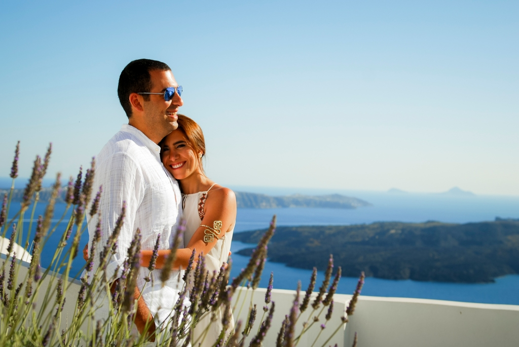 Pre-wedding photography Santorini.