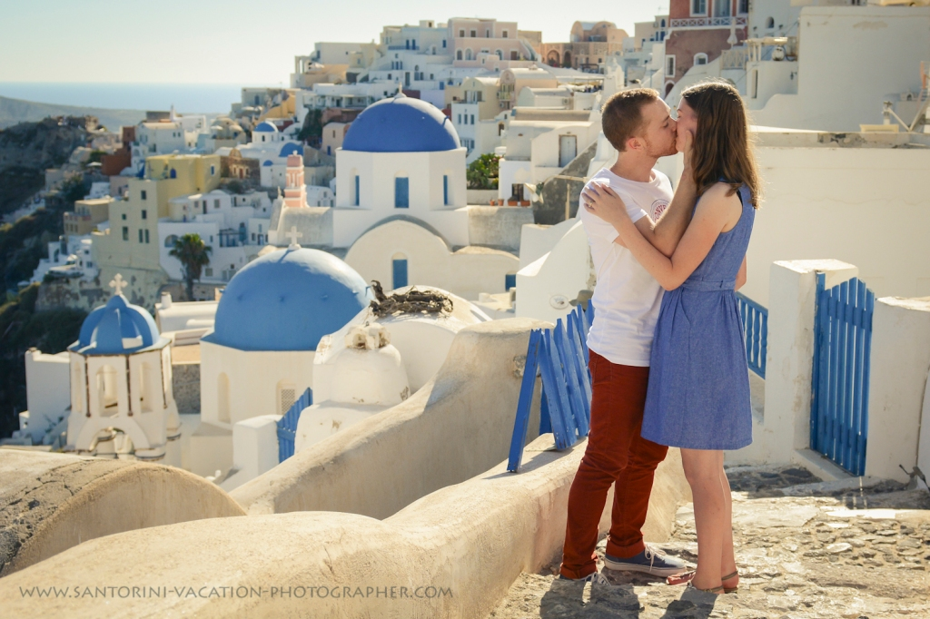 Santorini Oia photo shoot. Oia village.
