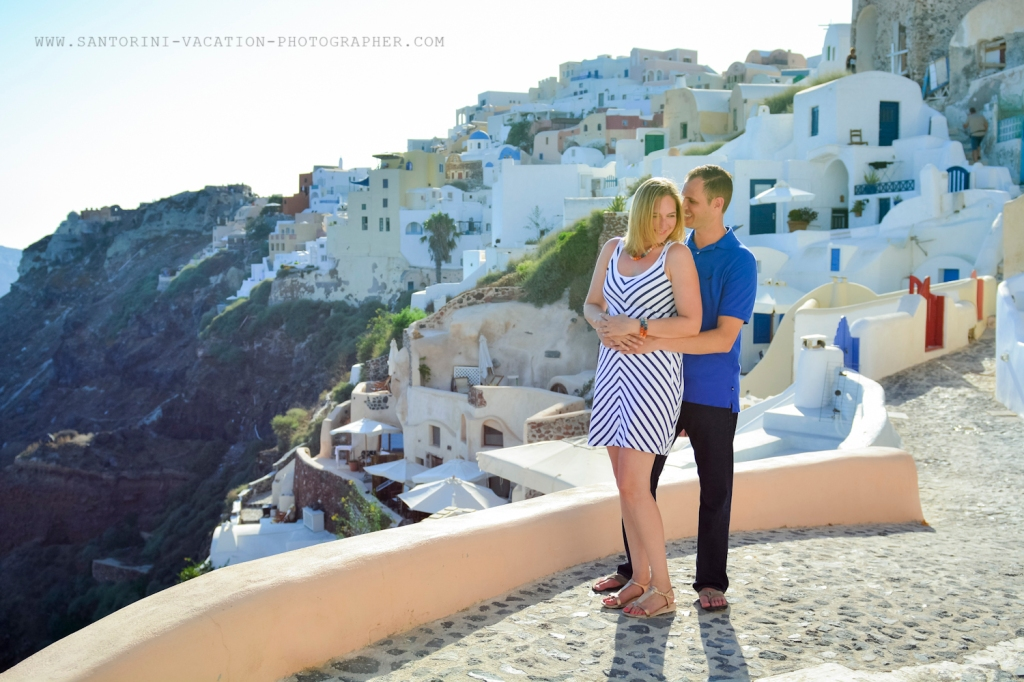 Santorini-portrait-session-couple-photo-shoot-001