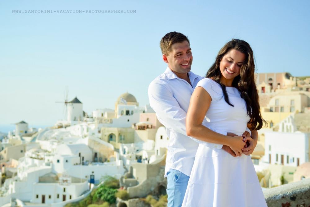 Santorini-portrait-session-couple-photo-shoot-003