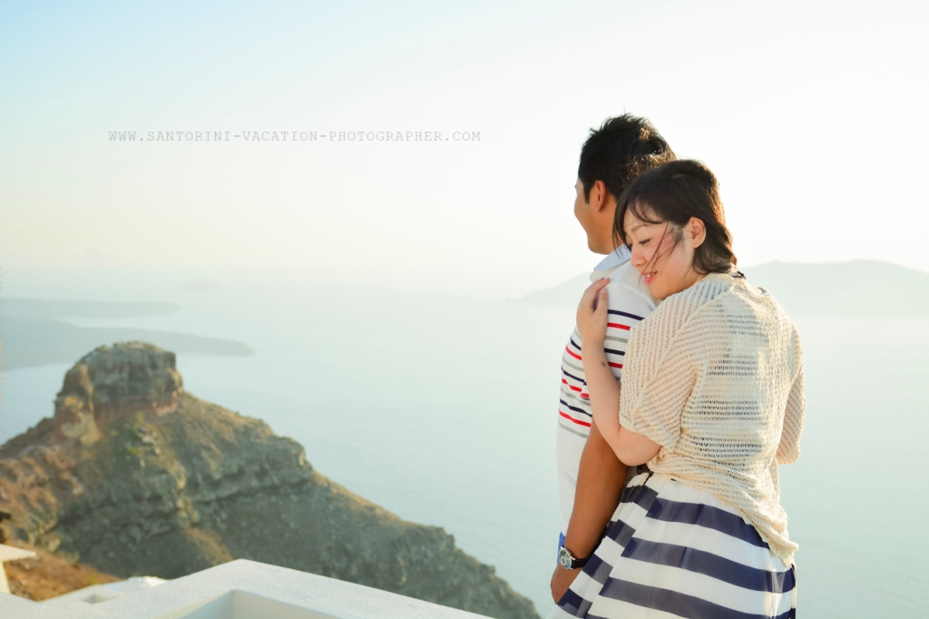 Santorini-portrait-session-couple-photo-shoot-010