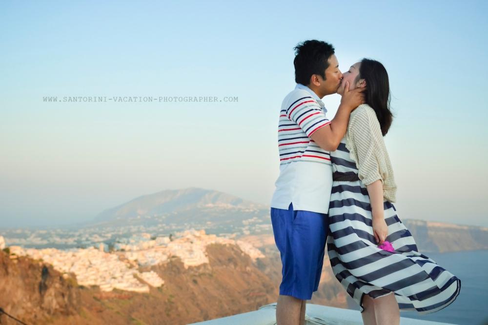 Santorini-portrait-session-couple-photo-shoot-011