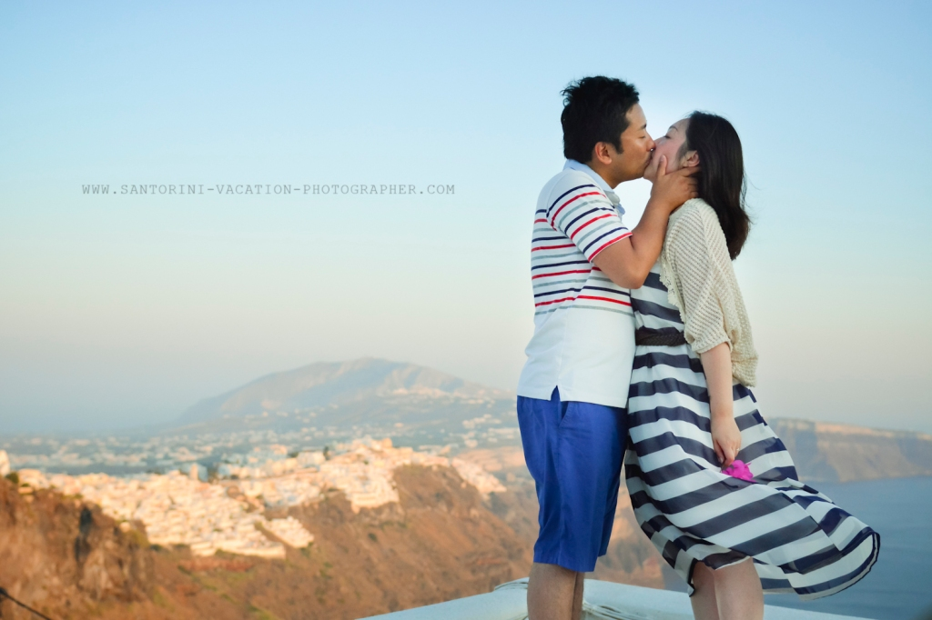 Santorini-portrait-session-couple-photo-shoot-011