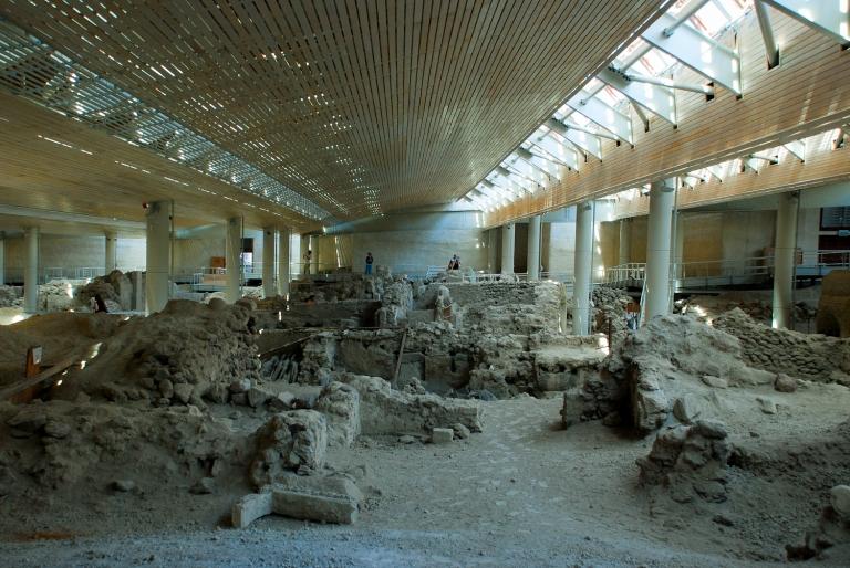 Santorini-Akrotiri-museum-Minoan-civilization-01