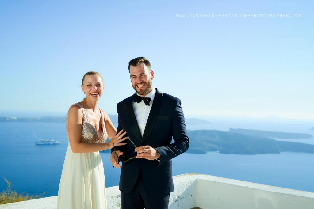 Santorini_non-tradicional_wedding_Skaros_rock_photographer_Anna_Shulte-12