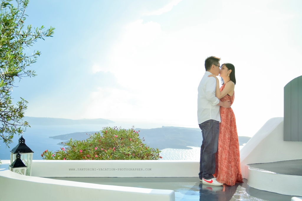 Photo-session-Santorini-October-weather-honeymoon-shoot-2
