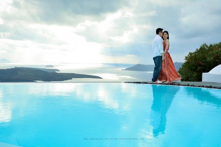 Photo-session-Santorini-October-weather-honeymoon-shoot