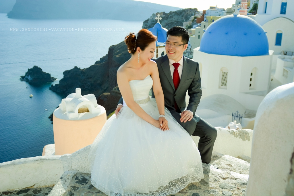 Pre wedding photo shot in Santorini