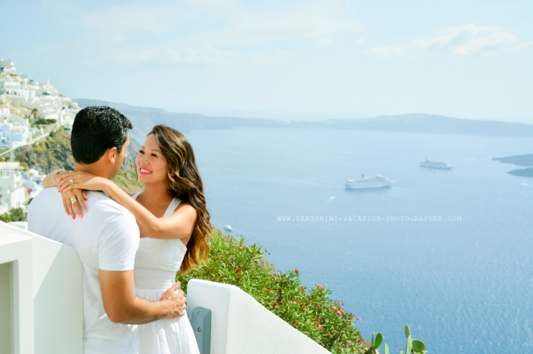 Couple photo shoot in Santorini.