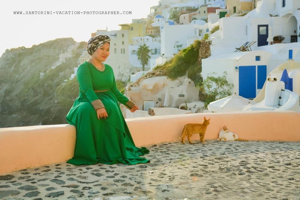 Solo traveler in Santorini