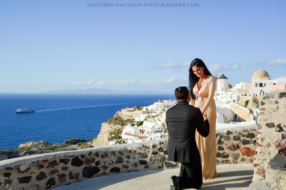 Santorini photography photo shoot surprise proposal