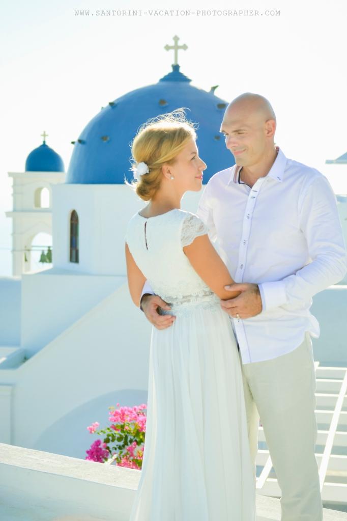 Santorini_based_portrait_photographer_wedding_shoot_003