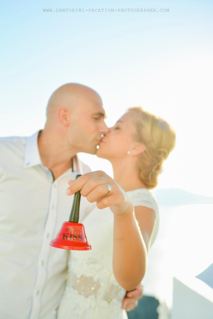 Santorini_based_portrait_photographer_wedding_shoot_006