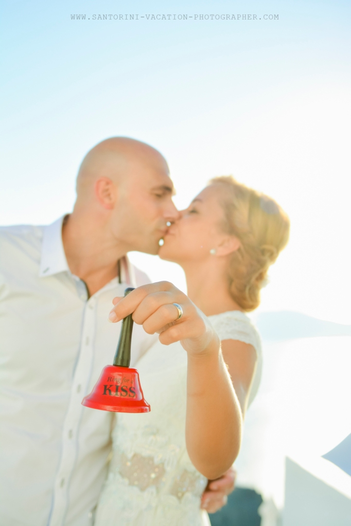 Santorini_based_portrait_photographer_wedding_shoot_006