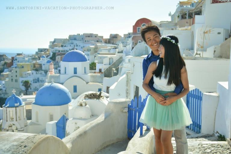 Santorini-photographer-destenation-portrait-photo-shoot-001