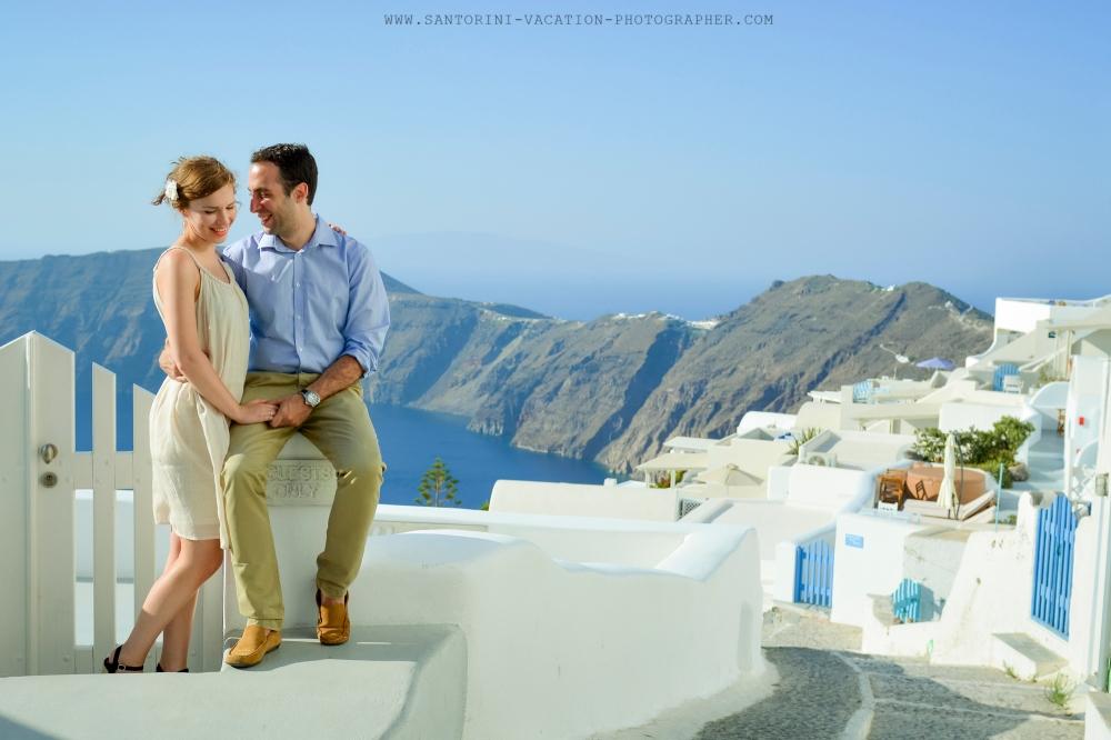 Santorini_photographer_destination_honeymoon_romatic_photo_shoot-2