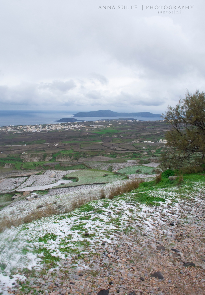 Snow-in-Santorini-2015-winter (2)