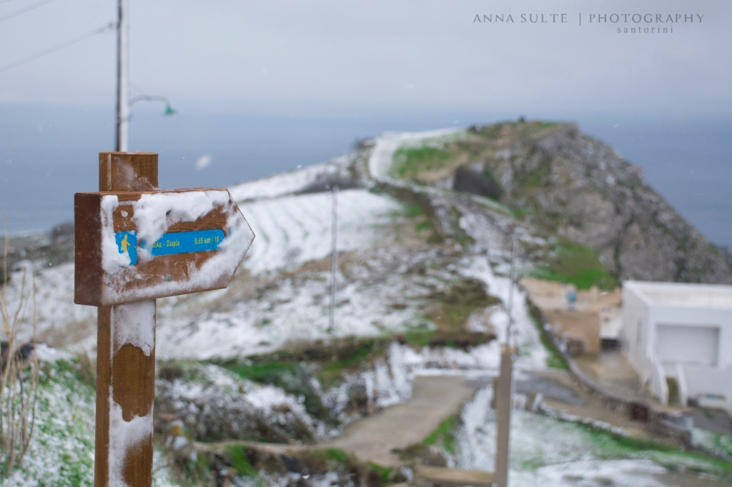 Snow-in-Santorini-2015-winter
