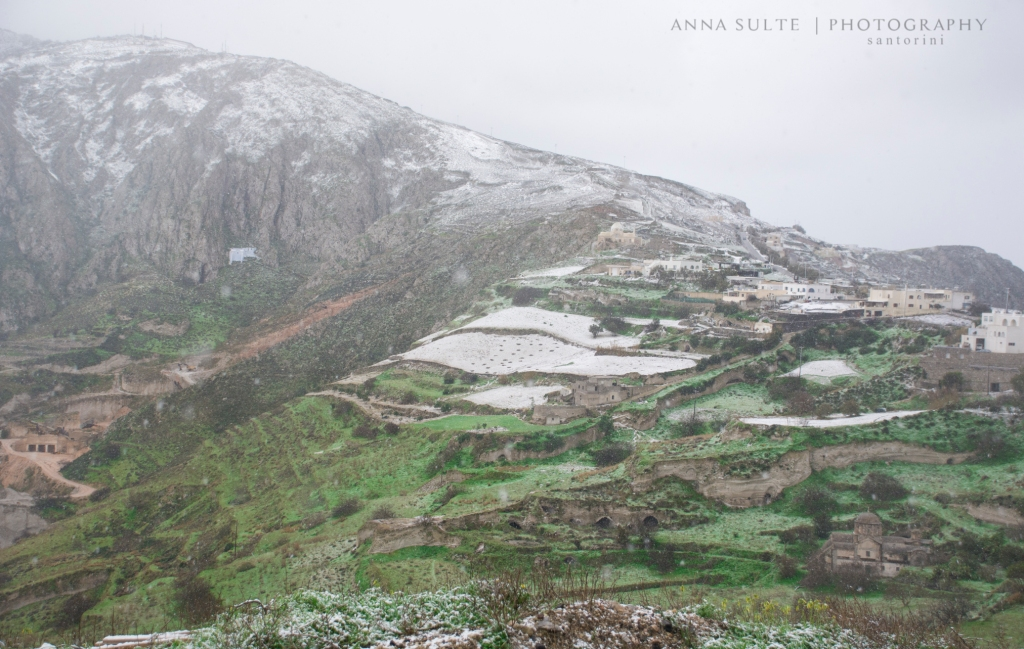 Snow-in-Santorini-Profitis-Ilias-2015-winter