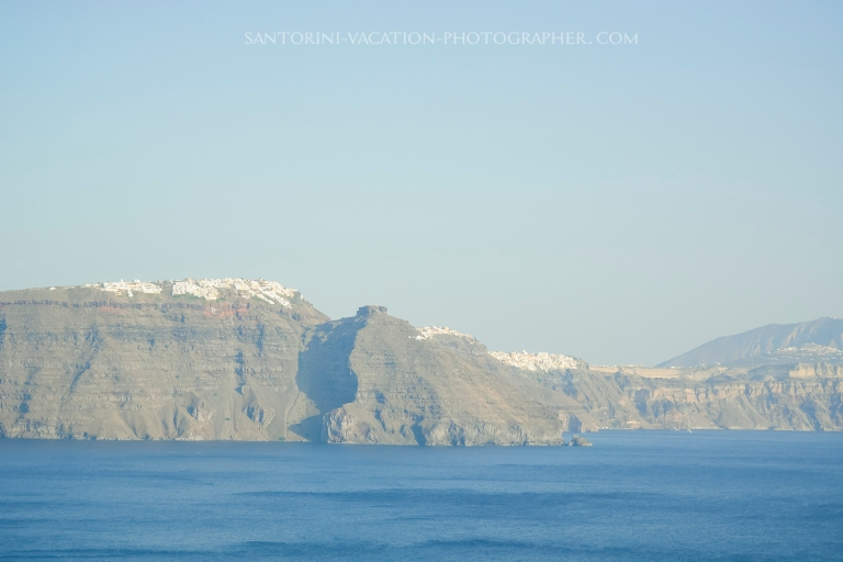 Santorini-honeymoon-photo-session-romantic-destination-2