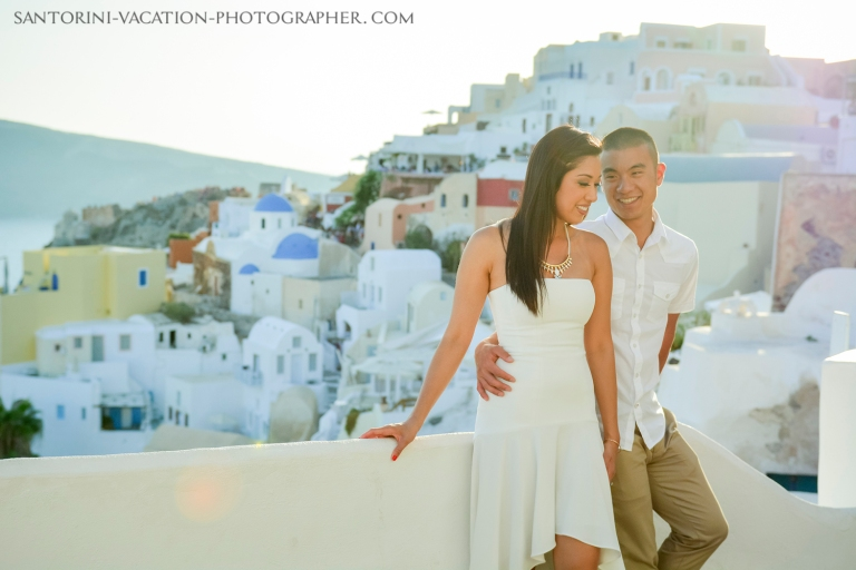 Santorini-honeymoon-photo-session-romantic-destination