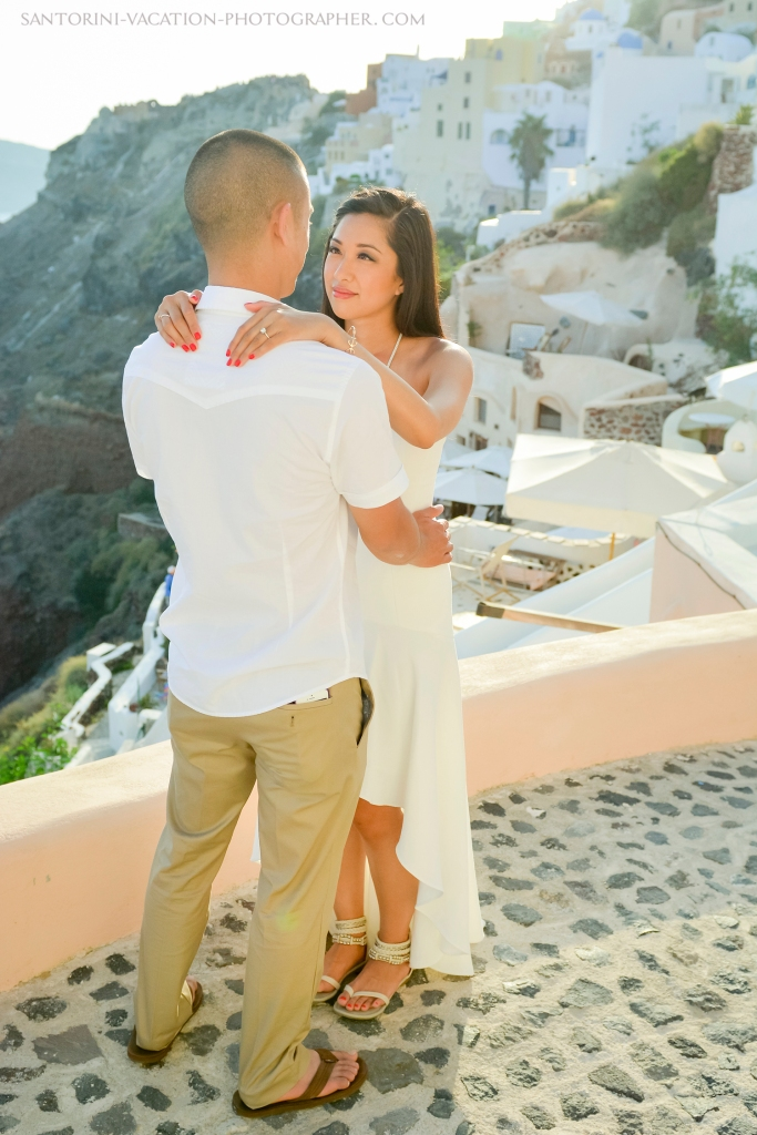 Santorini--photo-session-romantic-location-oia