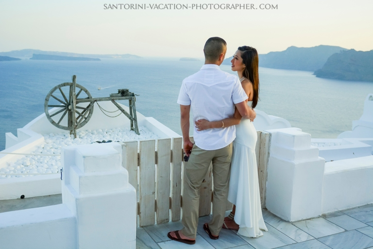 Santorini-photo-shot-portrait-dreamy-romantic-holiday