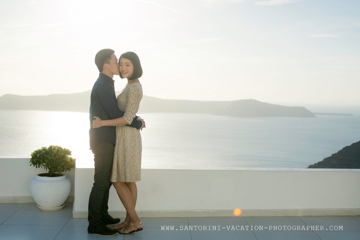 Surprise santorini engagement santorini photographer for Surprise engagement photo shoot