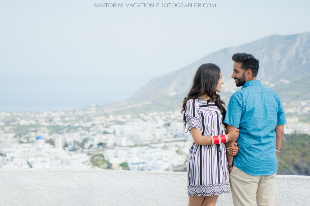 Portrait-session-in-Santorini-caldera-imerovigli-05