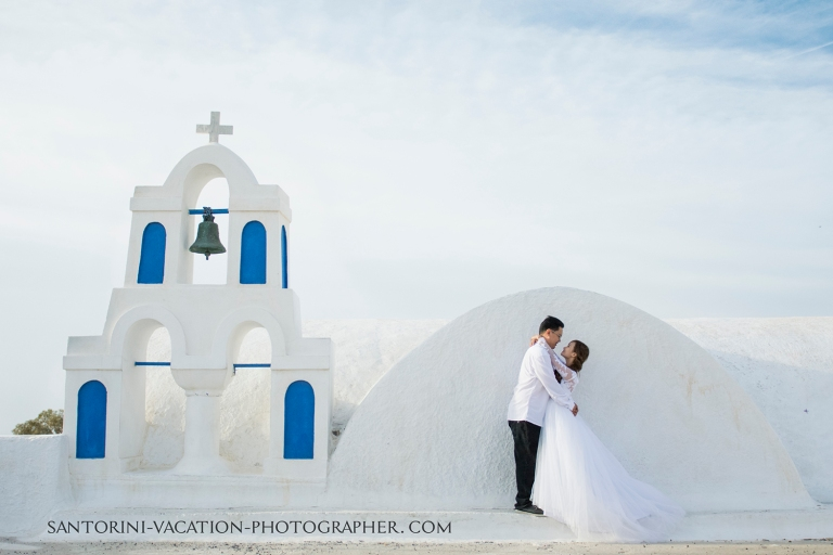 Santorini pre-wedding photo shoot.
