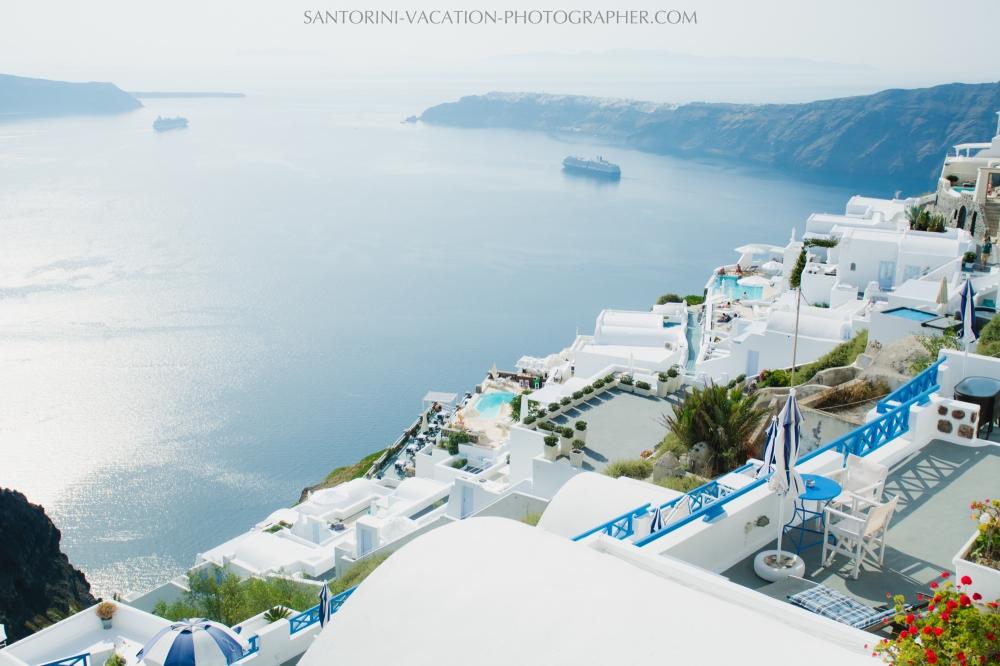 BEST SANTORINI RESTAURANTS TO ENJOY AUTHENTIC GREEK SANTORINI FOOD-001