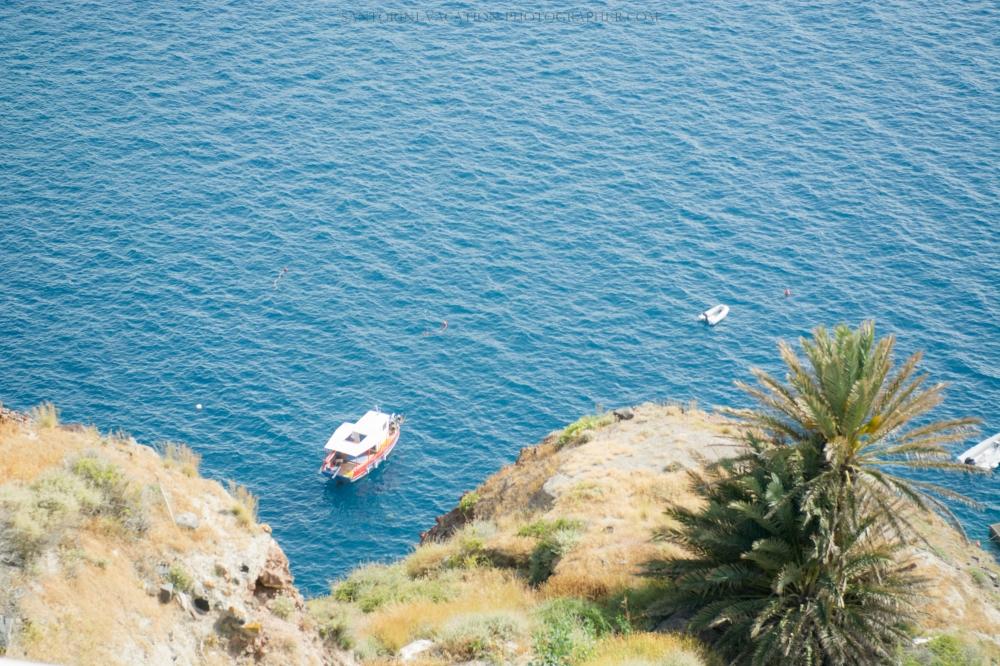 Santorini-lifestyle-photographer-Oia-photoshoot-pre-wedding-{Sequence # (001)»}-11