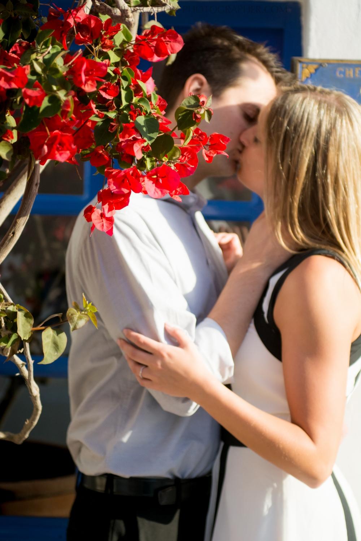 wedding-gift-photo-session-on-santorini-island-photography-005