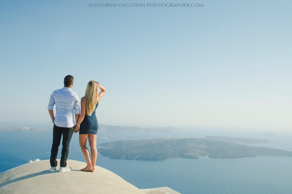 Santorini-honeymoon-destination-photo-shoot-by-Anna-Sulte-003