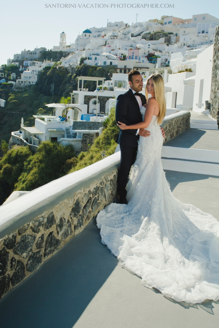 Santorini-post-wedding-shoot-honeymoon-destination-photo-session-004
