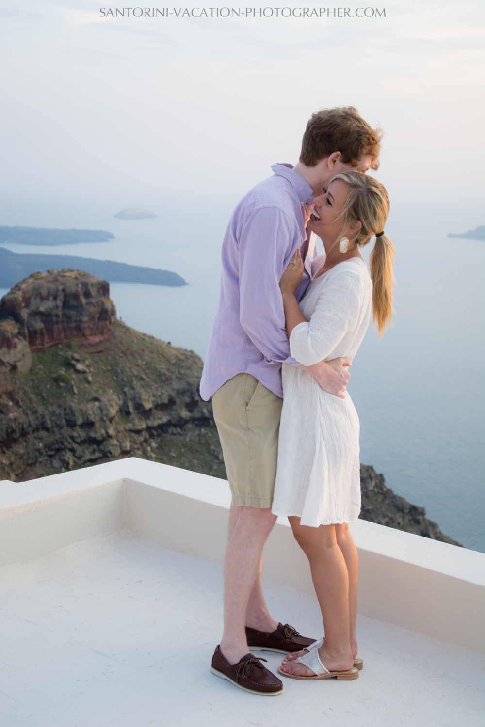 Santorini-Sunset-photo-shoot-Post-Wedding-Portrait-Shoot-001