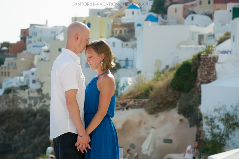 destination-photo-session-Santorini-portrait-shoot-honeymoon-oia-002