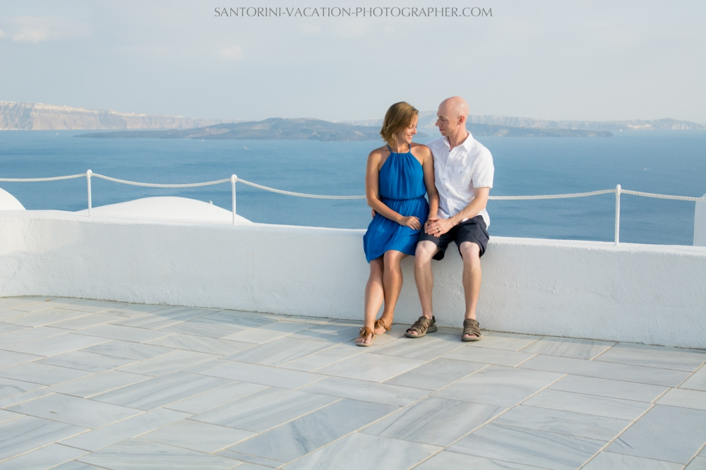 destination-photo-session-Santorini-portrait-shoot-honeymoon-oia-004