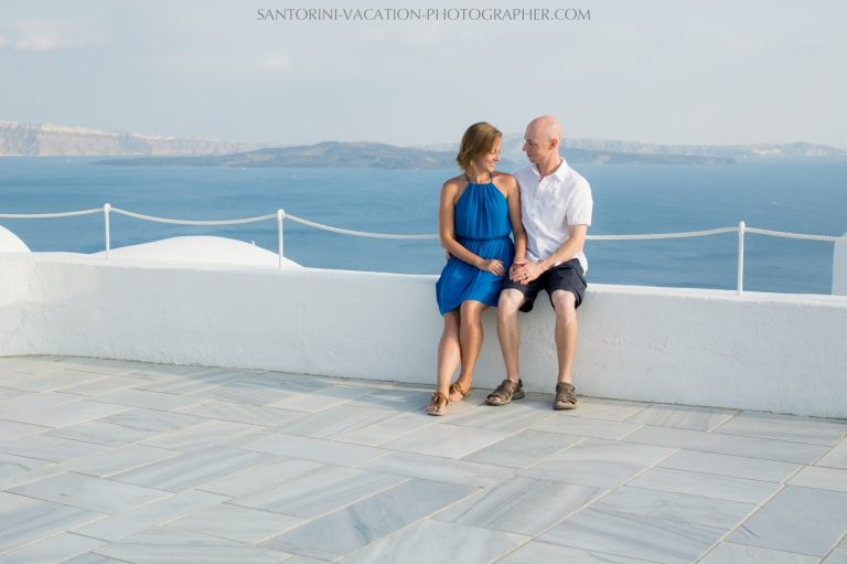 destination-photo-session-Santorini-portrait-shoot-honeymoon-oia-004