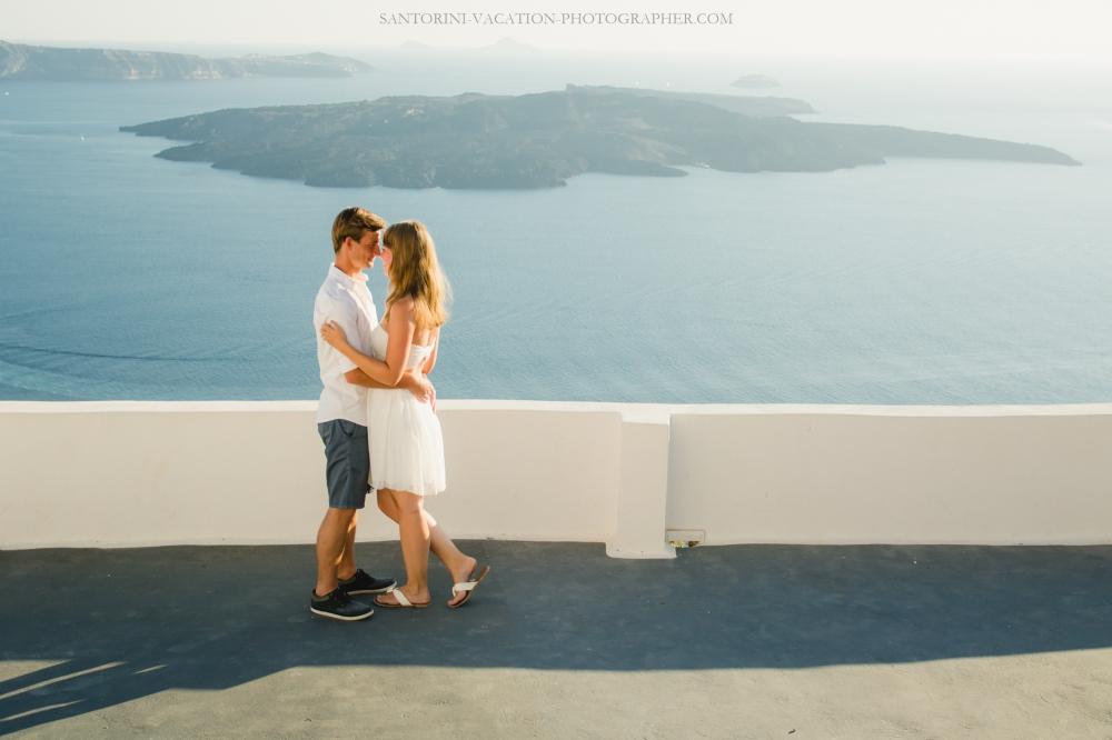 Photo-shoot-Solo-traveler-Santorini-Greece-001-2